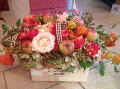 Őszi asztaldísz variációk rózsával, almával. #ősz #asztaldísz #őszi #dekoráció #alma #rózsa