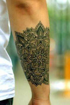 65 Sleeve Tattoos & Arm Tattoos #sleevetattoos #armtattoos #inkedmen #inkedgirls #tattooinspiration #tattooideas