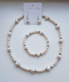 Freshwater pearls, pearls, necklace, bracelet, earrings, fit