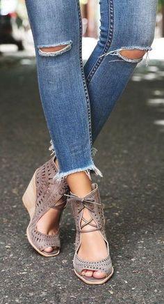 'Rodillo-Hi' Wedge Sandal