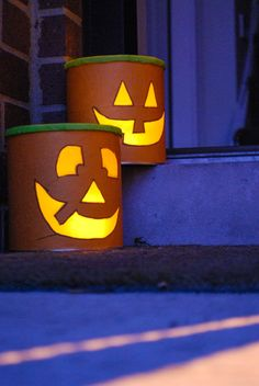 DIY Halloween luminaries from recycled baby formula cans! You can also make these cute and cheap Halloween decorations from oatmeal containers. Diy Halloween Luminaries, Cheap Halloween Decorations, Halloween Crafts, Diy Crafts For Home Decor, Easy Diy Crafts, Diy Craft Projects, Thanksgiving Crafts, Fall Crafts, Crafts Out Of Pallets