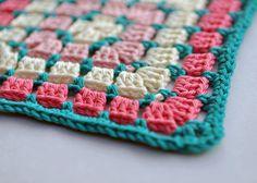 Transcendent Crochet a Solid Granny Square Ideas. Inconceivable Crochet a Solid Granny Square Ideas. Crochet Block Stitch, Crochet Blocks, Granny Square Crochet Pattern, Crochet Stitches Patterns, Crochet Squares, Crochet Motif, Crochet Granny, Granny Squares, Crochet Cushions