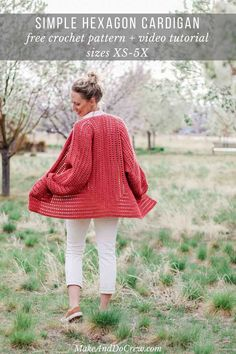 Part Day Date Easy Crochet Sweater Pattern & Free! Part Day Date Easy Crochet Sweater Pattern – Free!Two simple crochet hexagons transform into a lightweight, on-trend cardigan complete wi Crochet Simple, Modern Crochet, Pull Crochet, Knit Crochet, Crochet Sweaters, Crochet Stitches, Crochet Gratis, Free Crochet, Crochet Cardigan Pattern