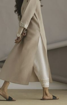 Ethnic Clothes, Ethnic Outfits, Indian Clothes, Indian Outfits, Pakistani Designer Suits, Pakistani Dresses, Indian Look, Indian Style, Indian Party Wear