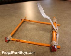 Pencil Catapult. This catapult is built out of unsharpened pencils, rubber bands, and a plastic spoon. The process of making is so easy, your kids can make it by themselves just according to this picture. http://hative.com/catapult-projects-for-kids/