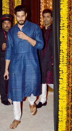 Sidharth Malhotra at Amitabh Bachchan's Diwali bash. #Bollywood #Fashion #Style #Handsome