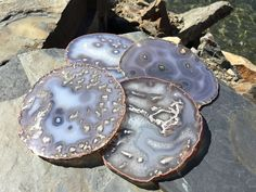 Extra Fancy Agate Coasters Set of 4 ~ Agate Coaster Natural Agate Coasters ~ Geode Coasters Geode Coaster Set ~ Agate Taupe Caramel White, by HandmadeByGin on Etsy Coaster Holder, Coaster Set, How To Make Coasters, Agate Coasters, Natural Brown, Taupe, Caramel, Fancy, Crystals