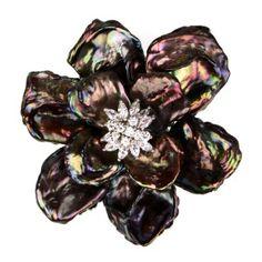 broche flor perlas grises circonitas blancas. www.sanci.es Floral, Flowers, Jewelry, Pearls, Gray, Jewlery, Bijoux, Florals, Florals