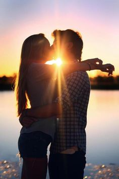 I love to see the couples who in love together, take the picture with the kiss into the sun. So romantic!