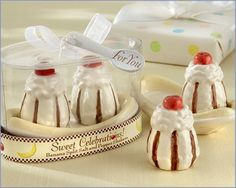 A selection of novelty salt and pepper shakers to suit any wedding theme. Unique salt and pepper shakers to give as wedding favors. Salt N Peppa, Salt And Pepper Set, Ice Cream Party, Novelty Items, Banana Split, Salt Pepper Shakers, Cookie Jars, Wedding Favors, Stuffed Peppers