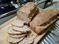 Pão integral com farinha integral, linhaça e aveia