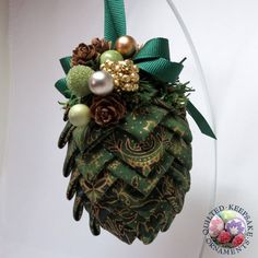 Pine Cone Christmas Ornaments to Make | Pine Cone Quilted Ornament in Gold & Green Fabric