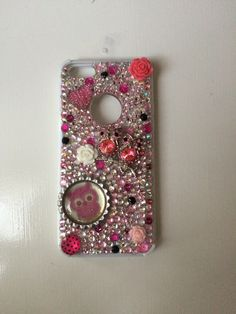 Hey guys this is one of my homemade phone cases for an iPhone 4s or 5 for $20.if you want to buy than follow me and give me an address to send to. Ttyl