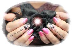 """Unhas em gel cor Rosa magnetico com nail art """"caça sonhos"""" desenhado á mão #perolas#acrilico#glittersrosahexagonos#brancoplatinadopolycolor#"""