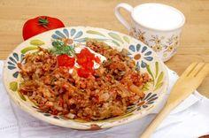 Varza a la Cluj Romanian Food, Romanian Recipes, Risotto, Grains, Rice, Meat, Ethnic Recipes, Beef, Korn