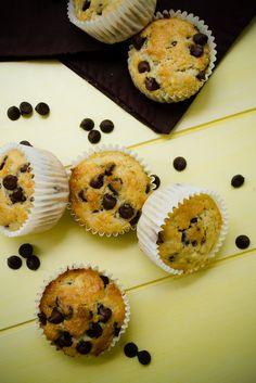 Prepara unos deliciosos y saludables muffins de plátano con chispas de chocolate para tus hijos en este regreso a clases.