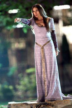 Foto  Monica Bellucci doet als als tovenares Veronica enge dingen in The  Sorcerer s Apprentice Magisch denken is een normale fase in de o. 79415afeefd6