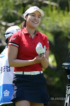 After two rounds at this year's US Women's Open, there were several names on the leaderboard familiar to LPGA fans. The most notable might have been Korean Amy Yang. Yang has contended at the event… Girl Golf Outfit, Cute Golf Outfit, Girls Golf, Ladies Golf, Women Golf, Lpga Players, Golf Images, Sexy Golf, Golf Attire