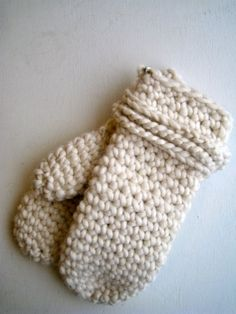Finally, a decent crochet mitten pattern. ~ Except I think I would want to make the cuff longer.