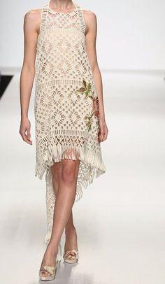 Fabulous Crochet a Little Black Crochet Dress Ideas. Georgeous Crochet a Little Black Crochet Dress Ideas. Black Crochet Dress, Crochet Skirts, Crochet Clothes, Crochet Lace, Blouse Dress, Knit Dress, Dress Skirt, Crochet Wedding Dresses, Mode Crochet