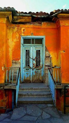 Free Image on Pixabay - Door, House, Castle, Chain, Color Door Entryway, Entrance Doors, Doorway, Cool Doors, Unique Doors, Door Knockers, Door Knobs, Portal, Door Gate