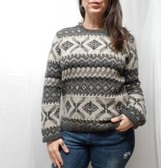 35e2c8cb98 Vtg THE LIMITED Knit By Hand Gray 100% Wool Fair Isle Nordic Sweater Womens  M