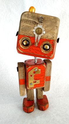 Robo Series in medal – Wood Robots – 006 Recycled Robot, Recycled Art, Wooden Art, Wooden Crafts, Woodworking For Kids, Woodworking Projects, Wooden People, Making Wooden Toys, Diy Robot