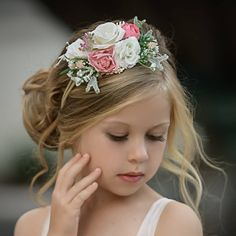If you have a wedding coming up and your daughter seems like a good fit for a role of a flower girl - you're exactly where you need to be! You can ask... Flower Girl Hairstyles, Retro Hairstyles, Loose Hairstyles, Headband Hairstyles, Wedding Hairstyles, Floral Headbands, Newborn Headbands, Baby Girl Headbands, Classic Photography