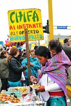 Chifa al instante con su huevo frito / Foto: Leidy Benites - Spacio Libre.
