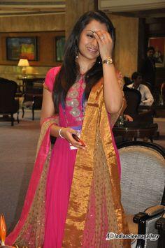 Trisha Krishnan - Trisha Krishnan Photos, Trisha Krishnan Stills South Actress, South Indian Actress, Beautiful Indian Actress, Indian Film Actress, Indian Actresses, Trisha Actress, Simple Anarkali, Beauty Redefined, Trisha Krishnan
