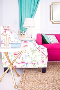 Cool 79 Shabby Chic Pink Sofa Ideas to Brighten Up Your Living Room. More at https://trendecor.co/2017/09/08/79-shabby-chic-pink-sofa-ideas-brighten-living-room/