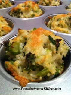 Cheddar Broccoli Rice Cups -- prep this healthy, portion-controlled meal i. Baked Cheddar Broccoli Rice Cups -- prep this healthy, portion-controlled meal i. Side Recipes, Vegetable Recipes, Great Recipes, Dinner Recipes, Favorite Recipes, Dinner Ideas, Easy Recipes, Vegetable Stock, Broccoli Recipes