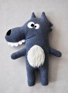 The Wolf Plushie / Le doudou Mon P'tit Loup par FunkySunday https://www.etsy.com/fr/listing/205379140/le-doudou-mon-ptit-loup-peluche-fait