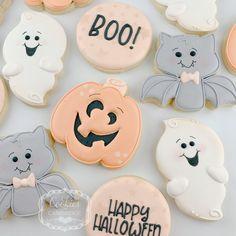 Fall Cookies, Iced Cookies, Cute Cookies, Royal Icing Cookies, Holiday Cookies, Cupcake Cookies, Cupcakes, Halloween Cookies Decorated, Halloween Sugar Cookies