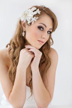 Skyla Bridal Lace Headpiece