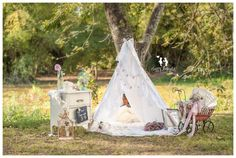 Vintage & Lace tent Maternity photography
