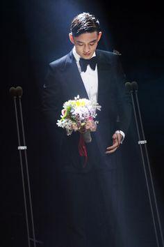 2016 BaekSang Arts Awards yoo ah in on the stage
