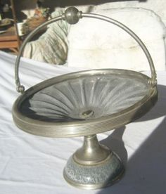 Bride's basket - if I ever fine one - it will be mine :) Gray Granite, Brides Basket, Pewter, Old Things, Antiques, Grey, Tin, Antiquities, Gray