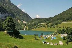 Camping Places In Switzerland - Incredible Mountain Experience Camping Am See, Camping Club, Camping Style, Camping Life, Family Camping, Best Places To Camp, Camping Places, Places To Go, Camping Holiday