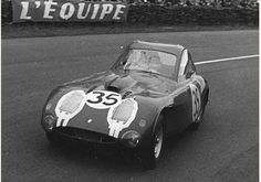 Factory entered Bristol placed overall and in class. Old Race Cars, Old Cars, Vintage Racing, Vintage Cars, Vintage Auto, Bristol Cars, Grand Luxe, 24h Le Mans, Sports Car Racing