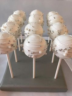 Lovely Classic White & Silver Cake Pops - Edible Wedding, Bridal, Baby…