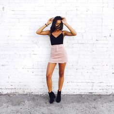I S A B E L (@itsisabelrose) no Instagram Tumblr Girl Style | Black Top, Pink Skirt, Black High Boots | White Brick Wall | Summer Outfit