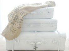 ♥ white vintage suitcases
