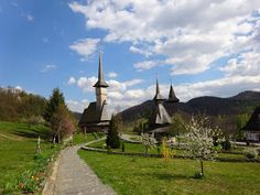 Little things: UNESCO churches in Maramures Statue Of Liberty, Places To Visit, Blog, Travel, Life, Statue Of Liberty Facts, Viajes, Statue Of Libery, Blogging