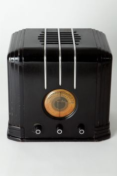 Art Deco Sparton 517-B Radio Walter Dorwin Teague Design