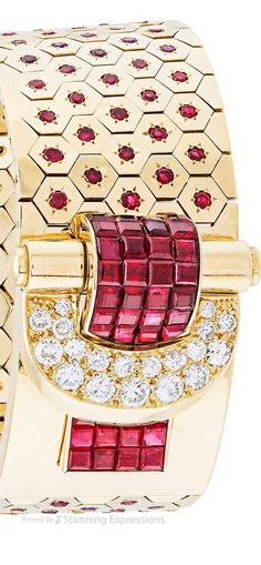 Red and Gold Burgundy And Gold, Red Gold, Ring Watch, Van Cleef Arpels, Jewelry Organization, Luxury Jewelry, Lady In Red, Jewelry Collection, Fine Jewelry
