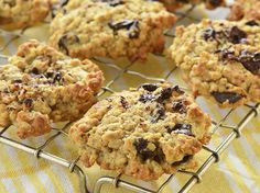 Chunky Oatmeal and Chocolate Chip Cookies