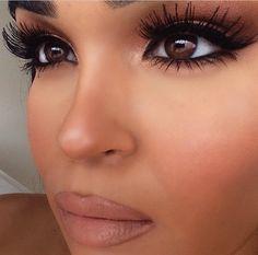 Louboutins & Fashion. Glowy Makeup, Makeup On Fleek, Flawless Makeup, Kiss Makeup, Makeup Eyes, Beauty Makeup, Soft Makeup, Long Eyelashes, Big Lashes
