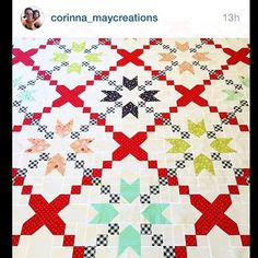 @corinna_maycreations shared an absolutely beautiful Star Crossed quilt!  Doesn't it scream summertime?  You can find the pattern in the April 2016 issue of American Patchwork & Quilting.  @allpeoplequilt #ShowMeTheModa #corianderquilts