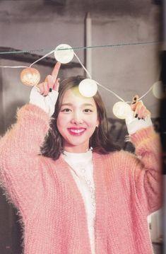 Kpop Girl Groups, Korean Girl Groups, Kpop Girls, K Pop Idol, Nayeon Twice, Twice Kpop, Im Nayeon, Dahyun, Your Girlfriends